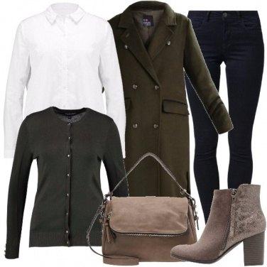 Outfit Attratta dal cappotto