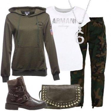 Outfit Pantaloni camouflage