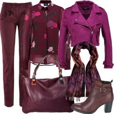 Outfit Al lavoro in bordeaux e viola