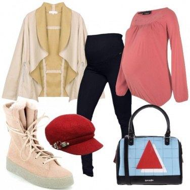 Outfit Un triangolo rosso