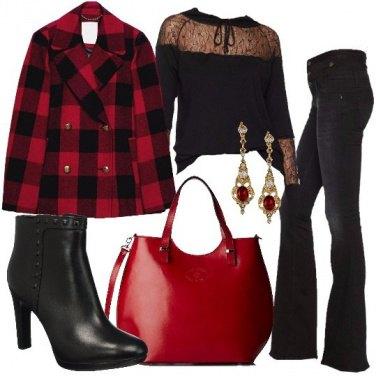 Outfit Quadri in rosso e nero