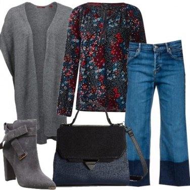 Outfit Blusa fantasia floreale