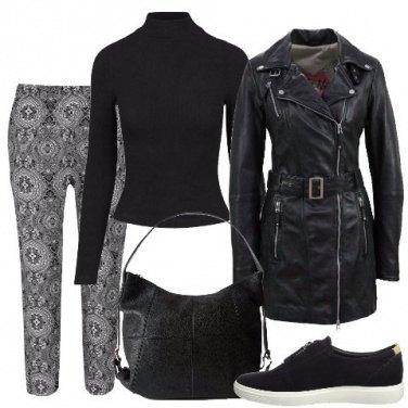 Outfit Nero e fantasia