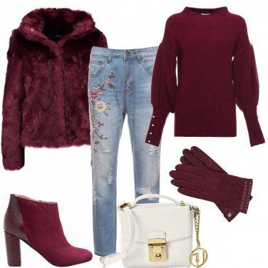 Outfit Bordeaux e jeans ricamati