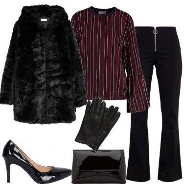 Outfit Dècolletè e pochette in vernice