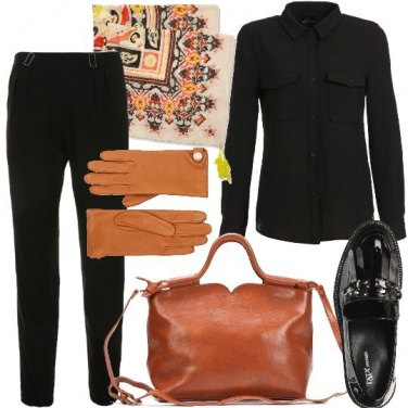 Outfit Chic in nero e cammello