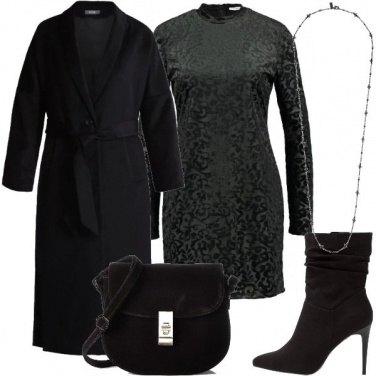 Outfit Cappotto lungo e abito corto