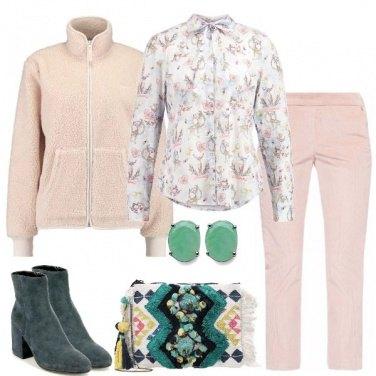 Outfit Verde e rosato