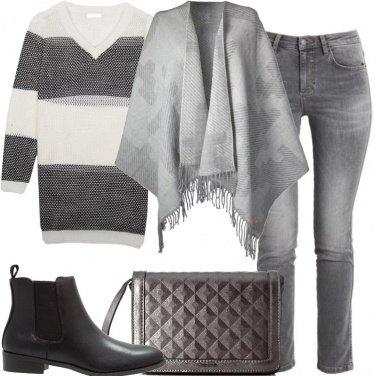 Outfit Poncho e maglione
