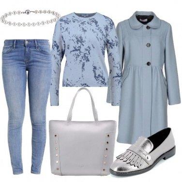 Outfit Un cappotto celeste