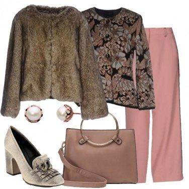 Outfit Romantica in ecopelliccia