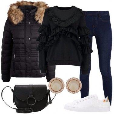 Outfit La felpa con le balze