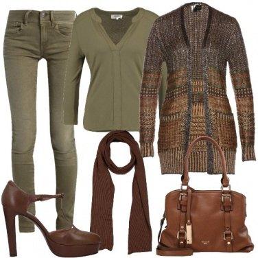Outfit Verde oliva e marrone
