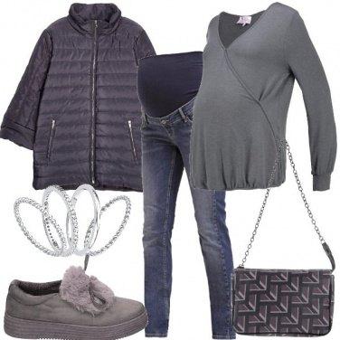 Outfit Grigio e semplice