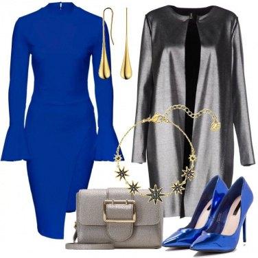 Outfit Blu elettrico e grigio