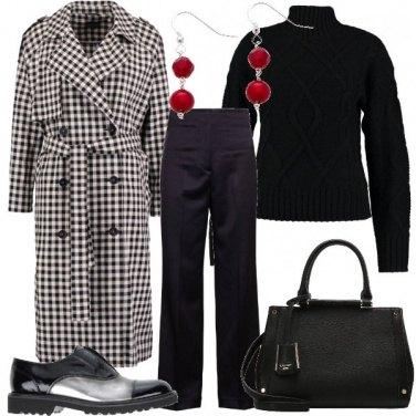 Outfit Scacchi sul cappotto