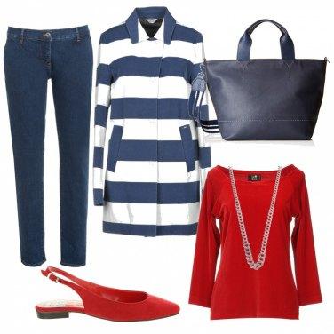 Pantalone elegante blu scuro, scarpa con decorazione a