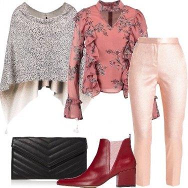 Outfit Estrosa in rosa nero e glitter