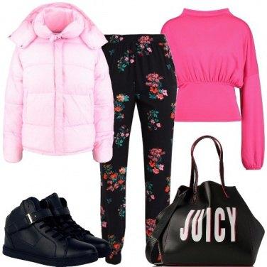 Outfit Fiori con sneakers nere