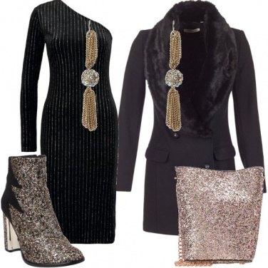 Outfit Un abito monospalla