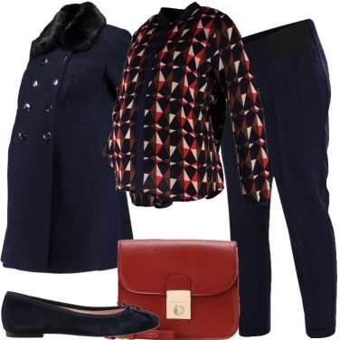 Outfit Camicia stampata e pantaloni a pois