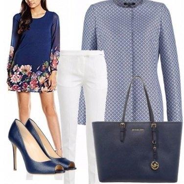 Outfit Leggermente blu...