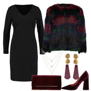 Outfit Il tubino scollato