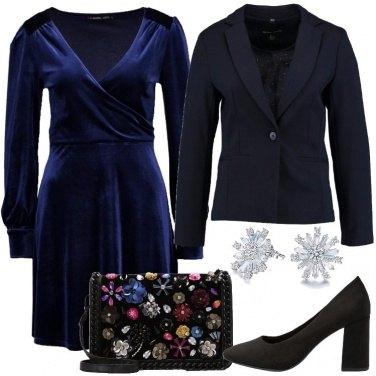 Outfit Vestito blu scuro