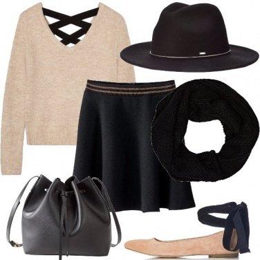 Outfit Il maglione con incrocio sulla schiena