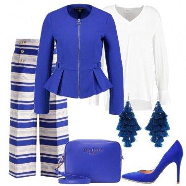 Outfit In blu e bianco