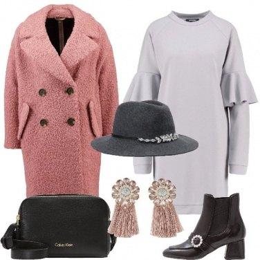 Outfit Grigio rosa e nero
