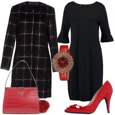 Outfit Orologio rosso per le feste