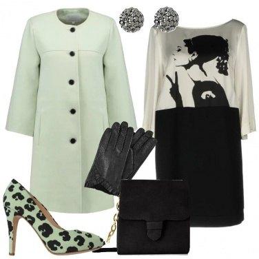 Outfit Verde chiaro bianco e nero