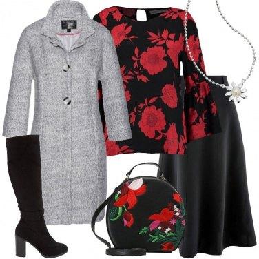 Outfit La camicetta a fantasia floreale