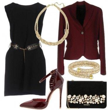 Outfit Eleganza nera bordeaux e oro