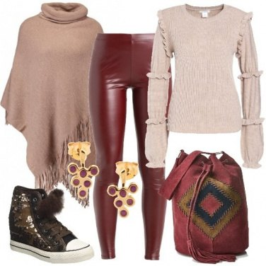 Outfit Sneakers con pompon
