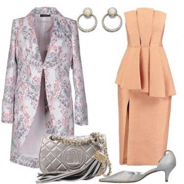 Outfit Abito color albicocca