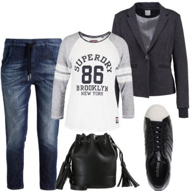 Outfit Blazer e sneakers