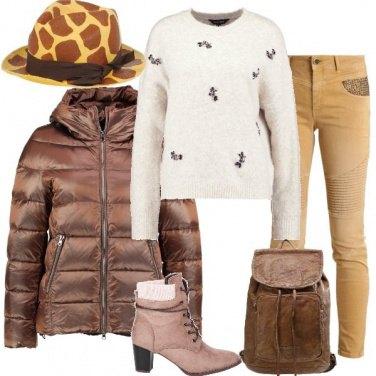 Outfit Un cappello stravagante