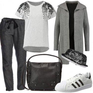Outfit Grigio sportivo