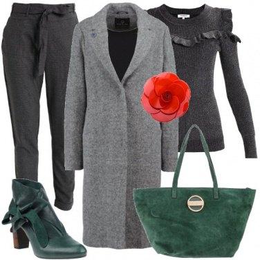 Outfit Il grigio insieme al verde