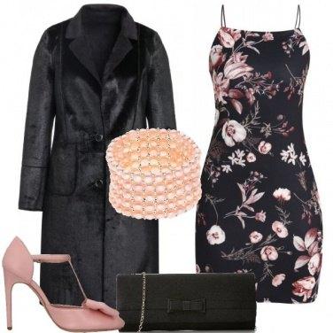 Outfit Fiori fiocchi e perle