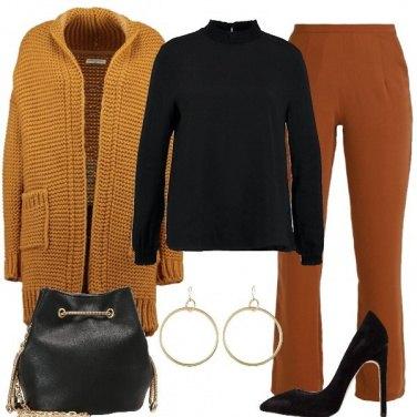 Outfit Ocra marrone e nero