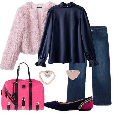 Outfit Jeans straight e pelliccia eco