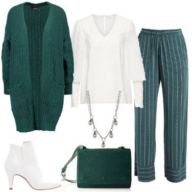Outfit Chic in verde e bianco