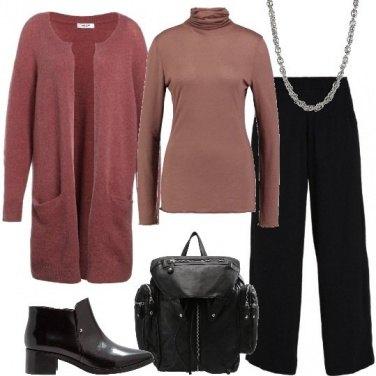 Outfit Nero e colori pastello