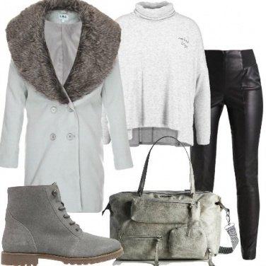 Outfit Cappotto e felpa