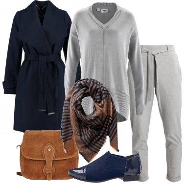 Outfit Il cappotto blu classico