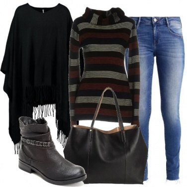 Outfit La mantella con le frange