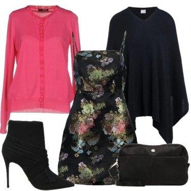 Outfit Fucsia floreale